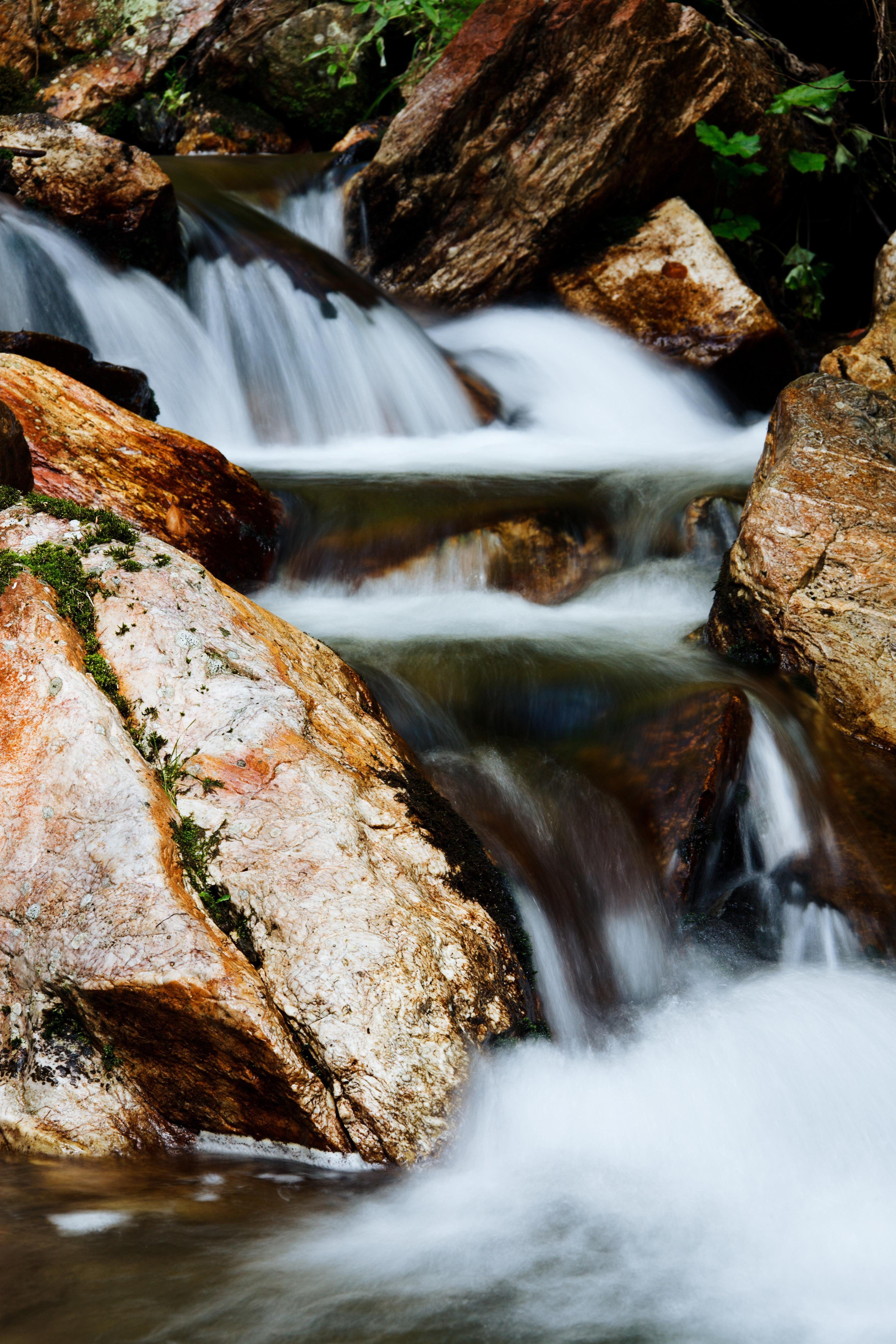 Cascade fall flow
